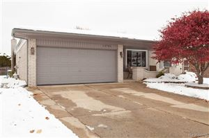 Photo of 13741 GROVE PARK DR, Sterling Heights, MI 48313-3422 (MLS # 40000389)