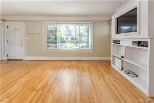 Tiny photo for 915 E 2ND ST, Royal Oak, MI 48067-2856 (MLS # 40103392)