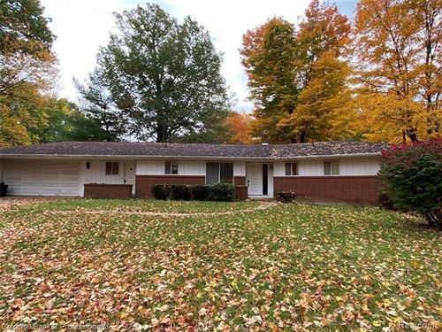 Photo of 2110 FOREST DR, Lapeer, MI 48446-9426 (MLS # 40115394)