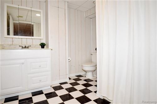 Tiny photo for 20090 RONSDALE DR, Beverly Hills, MI 48025-3856 (MLS # 40184397)