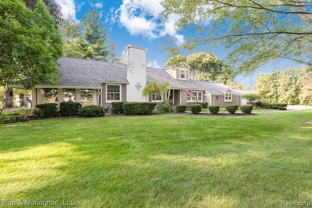 Photo for 32863 BALMORAL ST, Beverly Hills, MI 48025-3008 (MLS # 40123397)