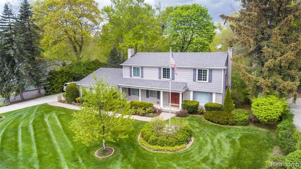 Photo for 20090 RONSDALE DR, Beverly Hills, MI 48025-3856 (MLS # 40184397)