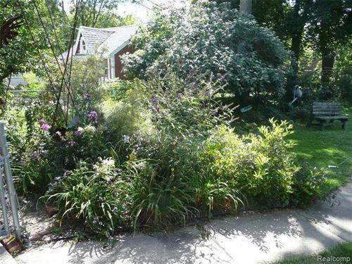 Tiny photo for 201 W HOUSTONIA AVE, Royal Oak, MI 48073-4189 (MLS # 40184398)