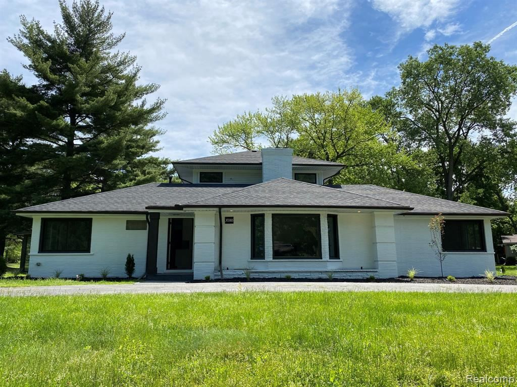 Photo for 30386 EMBASSY ST, Beverly Hills, MI 48025-5022 (MLS # 40180398)