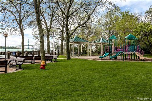Tiny photo for 1001 W JEFFERSON AVE, Detroit, MI 48226-4508 (MLS # 40113403)