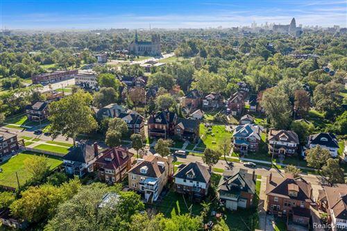 Tiny photo for 110 BURLINGAME ST, Detroit, MI 48202-1000 (MLS # 40244410)