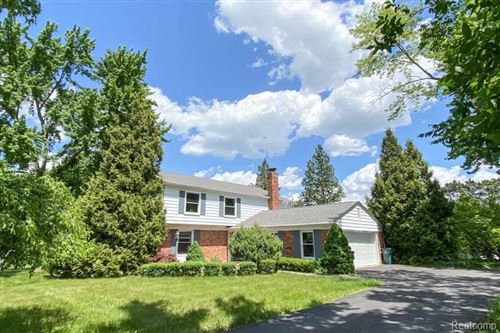Photo of 31020 OLD STAGE RD, Beverly Hills, MI 48025-4416 (MLS # 40057411)