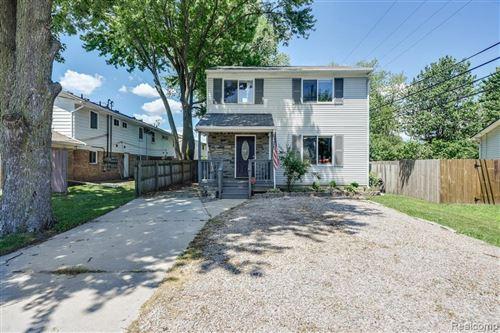 Photo of 25775 S RIVER RD, Harrison Township, MI 48045-2099 (MLS # 40073411)