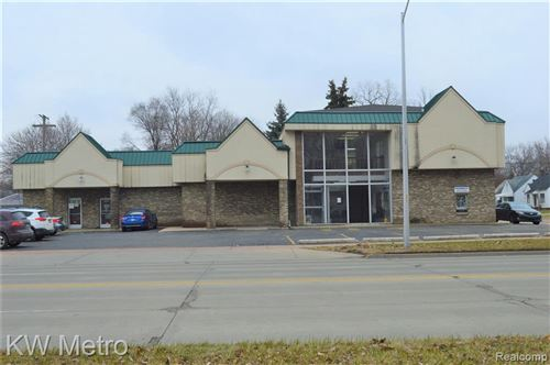 Photo of 4245 S BEECH DALY ST, Dearborn Heights, MI 48125-1576 (MLS # 40201411)