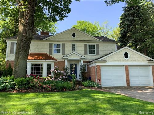 Photo of 319 TOURAINE RD, Grosse Pointe Farms, MI 48236-3310 (MLS # 40026424)