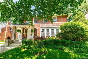 Photo of 1252 KENSINGTON AVE, Grosse Pointe Park, MI 48230-1102 (MLS # 21620425)