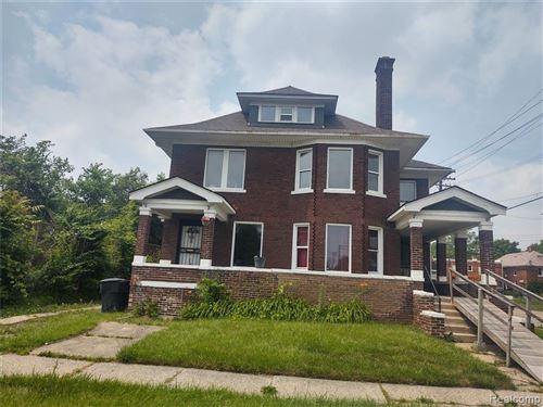 Photo of 359 KENILWORTH ST, Detroit, MI 48202-1615 (MLS # 40186427)