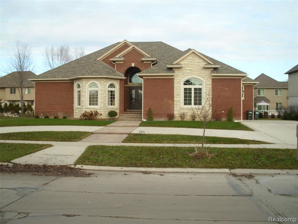 Photo of 43558 HOPTREE DR, Sterling Heights, MI 48314-4504 (MLS # 40006429)