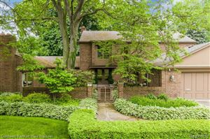 Photo of 47 FORDCROFT ST, Grosse Pointe Woods, MI 48236-2649 (MLS # 21619431)