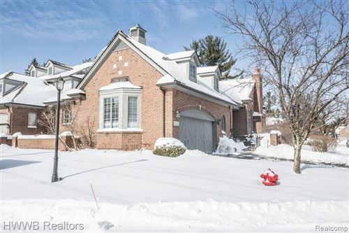 Tiny photo for 4051 CRANBROOK CRT, Bloomfield Hills, MI 48301-1704 (MLS # 40147431)