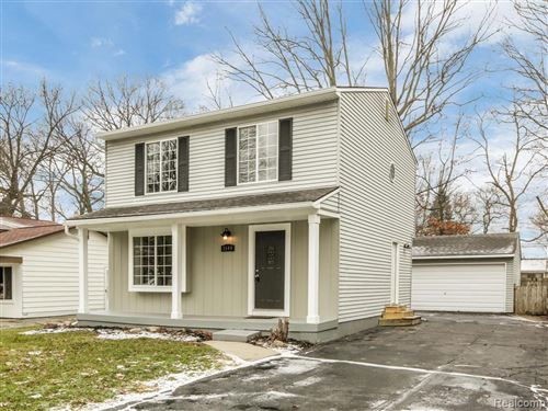 Photo of 3544 FORT DR, Waterford, MI 48328-1329 (MLS # 40017437)
