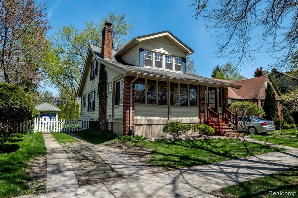 Photo for 43 MAYWOOD AVE, Pleasant Ridge, MI 48069-1232 (MLS # 40049444)