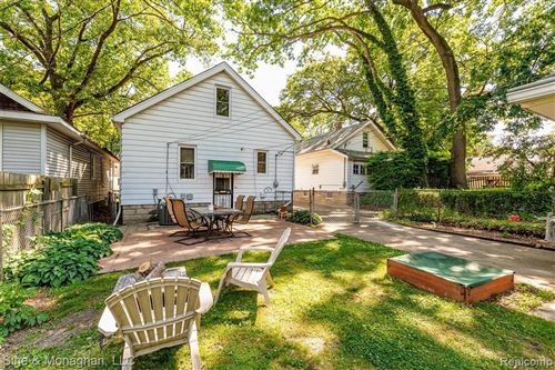 Tiny photo for 432 W CHESTERFIELD ST, Ferndale, MI 48220-3227 (MLS # 40067445)