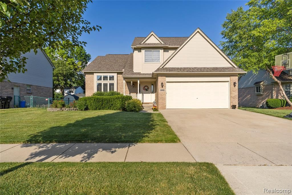 23609 LEIGHWOOD DR, Woodhaven, MI 48183 - #: 40073447