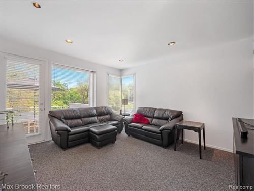 Tiny photo for 1776 ALEXANDER DR, Bloomfield Township, MI 48302-1203 (MLS # 40177455)