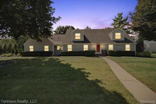 Tiny photo for 22017 W VALLEY WOODS DR, Beverly Hills, MI 48025-2533 (MLS # 40237470)