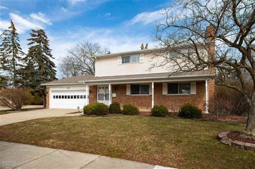 Photo of 1220 Hollywood, Grosse Pointe Woods, MI 48236 (MLS # 50023476)
