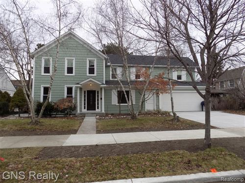 Photo of 16845 MAUMEE AVE, Grosse Pointe, MI 48230-1519 (MLS # 40143481)