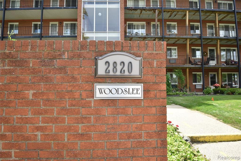 2820 WOODSLEE DR, Royal Oak, MI 48073-4401 - MLS#: 40103484
