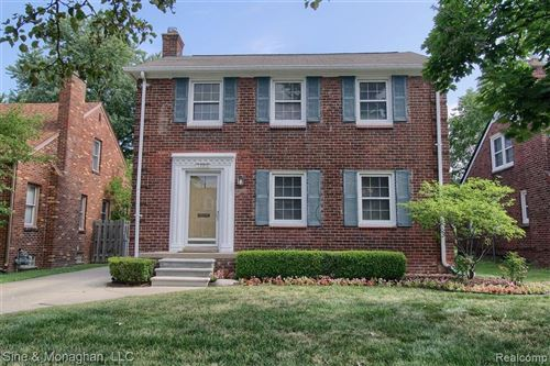 Photo of 1300 HAMPTON RD, Grosse Pointe Woods, MI 48236-1302 (MLS # 40102486)