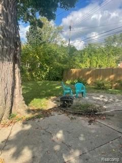 Tiny photo for 8863 W OUTER DR, Detroit, MI 48219-3565 (MLS # 40244493)