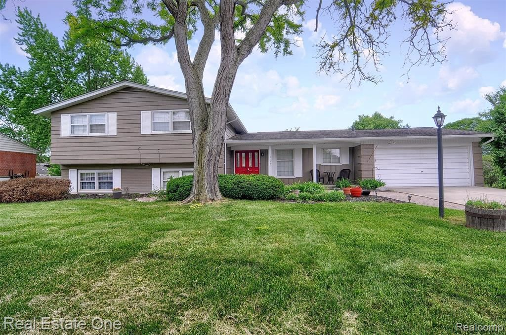 Photo for 31331 CLINE DR, Beverly Hills, MI 48025-5232 (MLS # 40065493)