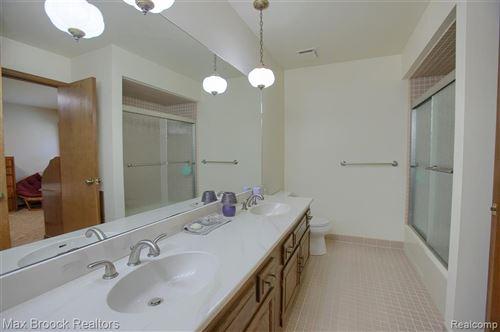 Tiny photo for 2295 CHESTNUT DR, Bloomfield Hills, MI 48304-2107 (MLS # 40244497)