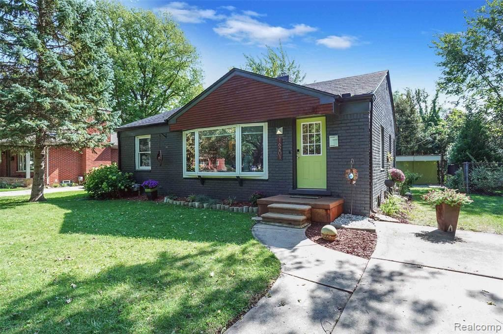Photo for 16201 AMHERST AVE, Beverly Hills, MI 48025-5503 (MLS # 40240498)