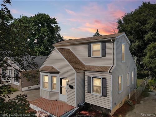 Tiny photo for 242 FIELDING ST, Ferndale, MI 48220-2432 (MLS # 40239505)