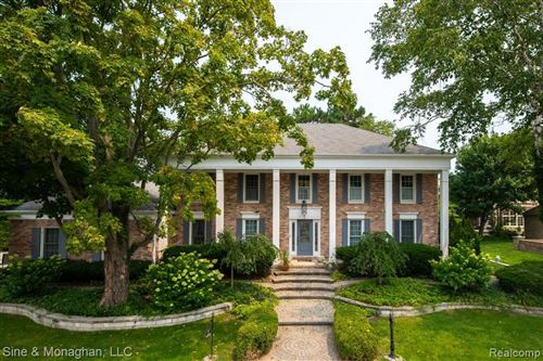 Photo of 6 COLONIAL RD, Grosse Pointe Shores, MI 48236-1720 (MLS # 40200506)