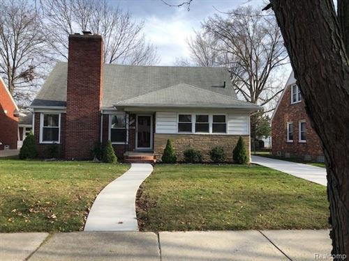 Photo of 20056 HOLIDAY RD, Grosse Pointe Woods, MI 48236-2372 (MLS # 40125516)