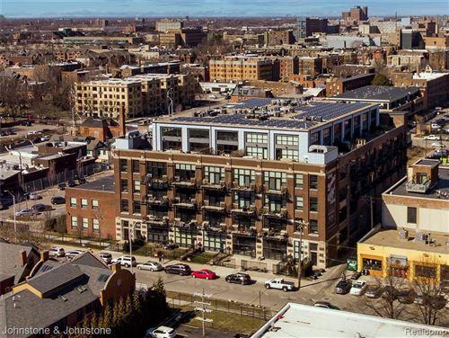 Photo of 444 W WILLIS ST, Detroit, MI 48201-1748 (MLS # 40185523)