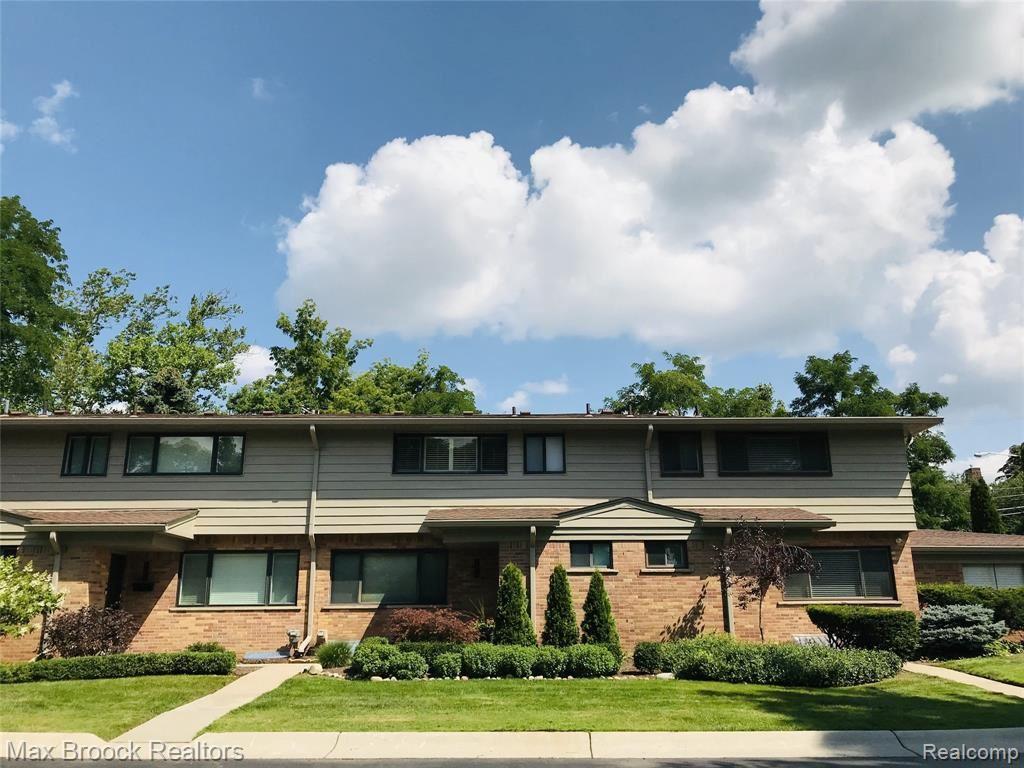 104 E HICKORY GROVE RD, Bloomfield Hills, MI 48304-1739 - #: 40198535