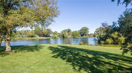 Tiny photo for 6405 NAVAJO CRT, Bloomfield Hills, MI 48301-1500 (MLS # 40242545)