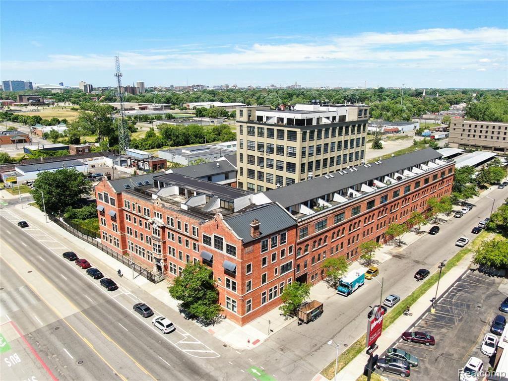 6533 E JEFFERSON ST. AVE, Detroit, MI 48207-4458 - #: 40138550