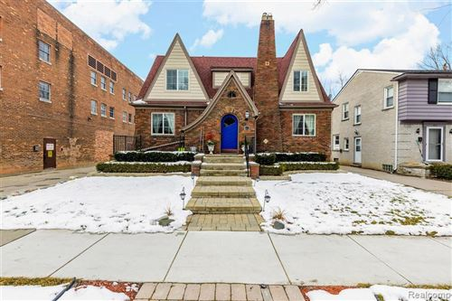 Photo of 159 MCKINLEY AVE, Grosse Pointe Farms, MI 48236-3501 (MLS # 40027551)
