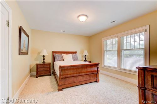 Tiny photo for 517 ORCHARD VIEW DR, Royal Oak, MI 48073-3322 (MLS # 40243553)