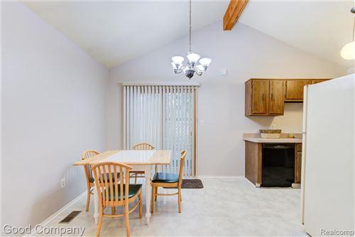 Tiny photo for 411 BAKER ST, Royal Oak, MI 48067-2287 (MLS # 40198555)