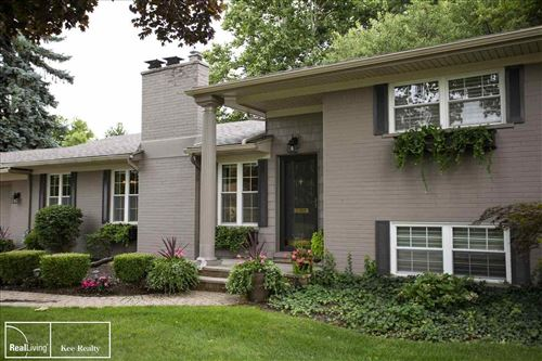 Photo of 41 Briarcliff, Grosse Pointe Shores, MI 48236 (MLS # 50023556)