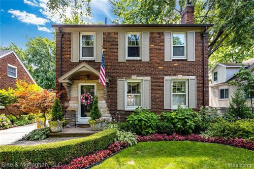 Photo of 903 UNIVERSITY, Grosse Pointe, MI 48230-2101 (MLS # 40020562)
