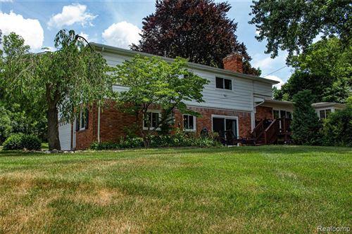 Tiny photo for 2801 MASEFIELD DR, Bloomfield Hills, MI 48304-1948 (MLS # 40072564)