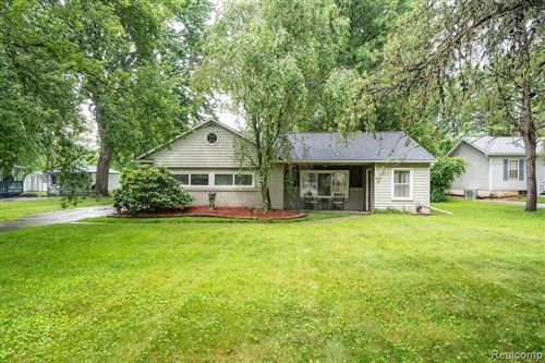 Photo of 5447 MANSFIELD AVE, Sterling Heights, MI 48310-5745 (MLS # 40198566)