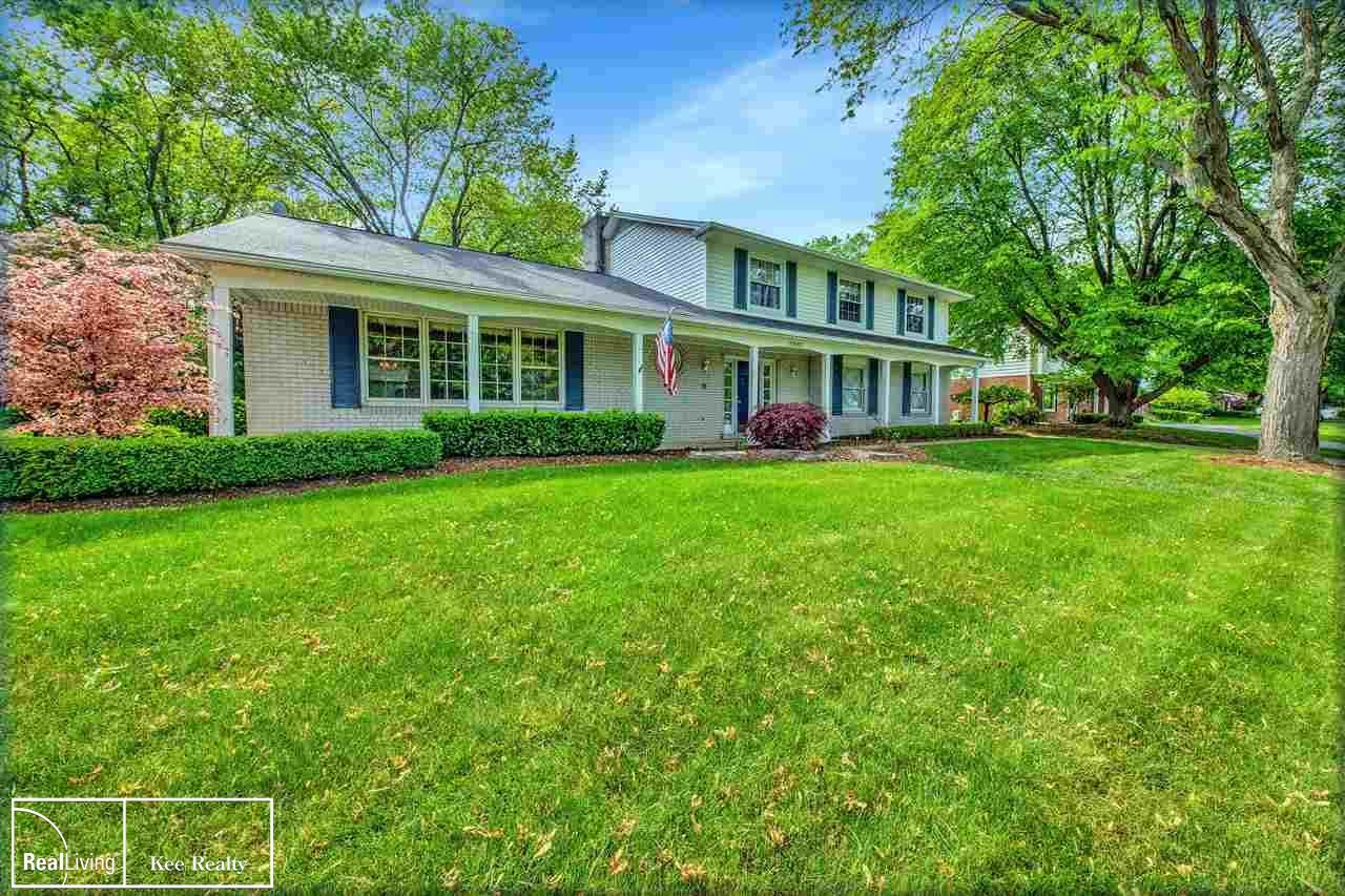 Photo for 2242 Brenthaven, Bloomfield Township, MI 48304 (MLS # 50042570)