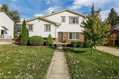 Photo of 32730 PIERCE ST, Beverly Hills, MI 48025-3214 (MLS # 40113571)