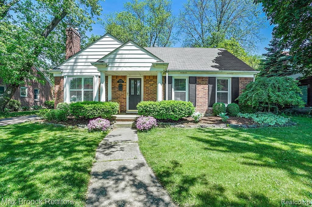 Photo for 16982 KIRKSHIRE AVE, Beverly Hills, MI 48025-3252 (MLS # 40064572)